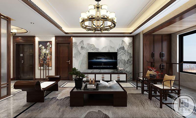 客厅电视墙更是讲究,白色的大理石底上是墨色的山水,清秀绝伦。方形的茶几上摆放着优雅大气的盆栽。