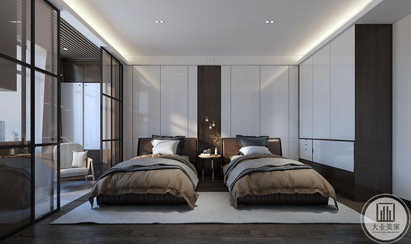 老人房设计为两个单人床铺,棕色调的设计比灰色更是多了些温暖。