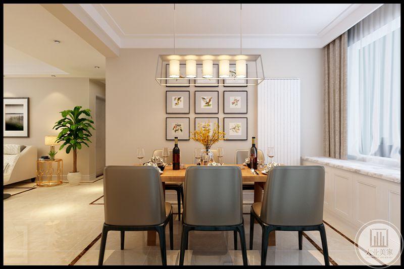 餐厅靠窗式设计,用餐环境开放,通风采光效果好,让人心旷神怡。