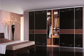 衣柜移门和平开门哪个好?衣柜门选什么材料好?