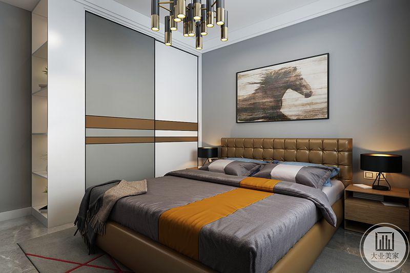 卧室没有过分的装饰,一切从功能出发,灰色系布艺,墙壁挂画,体现现代人追求简洁,摒弃繁缛的特点。