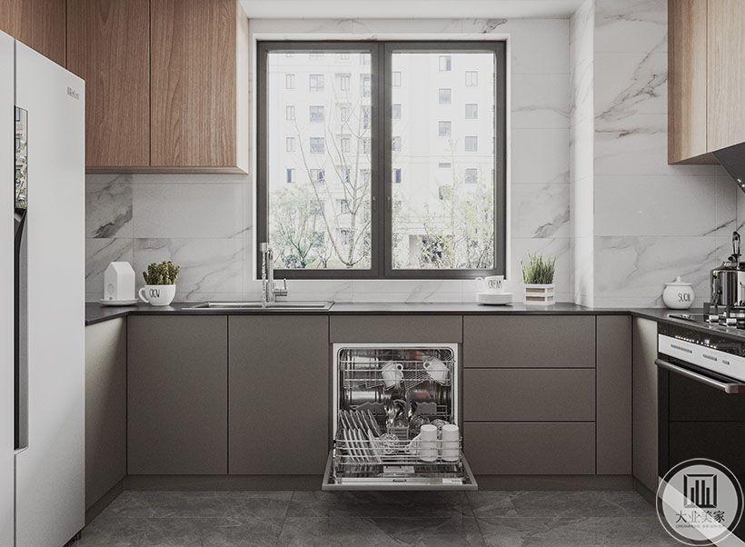 6.厨房是女主人的天下,我们加了木色,让在里面做饭的人注入家的温暖