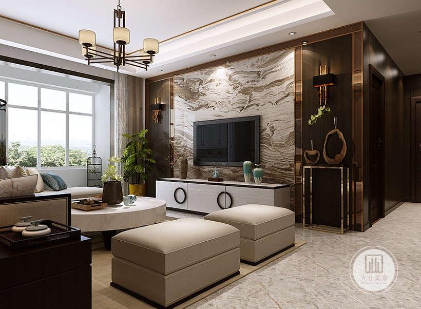 """空间装饰多采用简洁硬朗的直线条。直线装饰在空间中的使用,不仅反映出现代人追求简单生活的居住要求,更迎合了中式家具追求内敛、质朴的设计风格,使""""新中式""""更加实用、更富现代感。"""