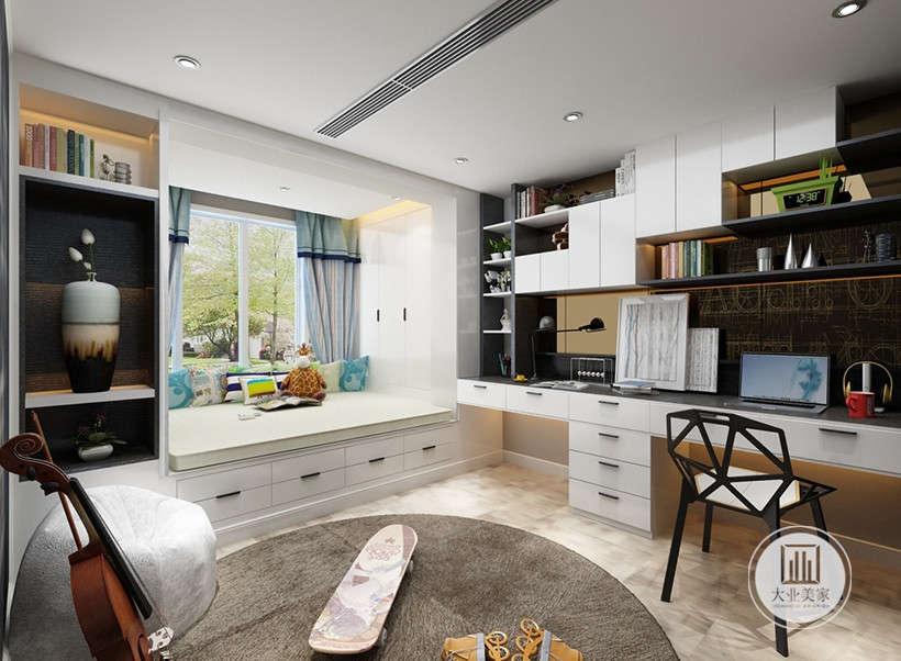 白色为主调的房间,干净明亮,私人空间极有品位,不论工作,还是小憩,都是极为舒适的居家之所。