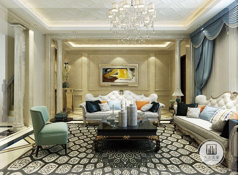 浅色系沙发,以及颜色鲜艳的抱枕布艺,摒弃了过于复杂的肌理与装饰,只装点了花纹杂乱但颜色单一的地毯,与大的氛围和基调相和谐。