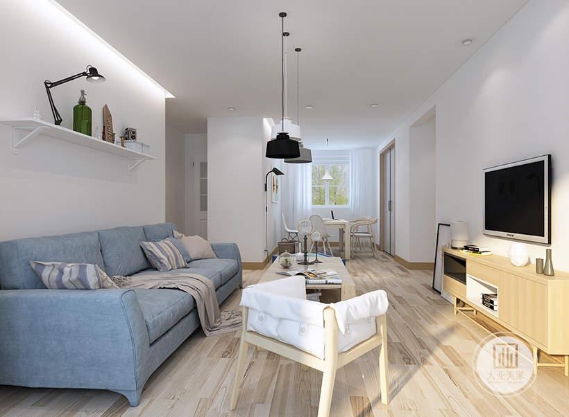 北欧风格中窗帘、地毯桌布的布艺元素以自然元素为主,布料多选用木藤、纱麻等天然材质。软装学院认为追求自然的北欧风格,绿植是室内常用的元素,他们多出现在室内,作为一道必不可少的点缀元素。