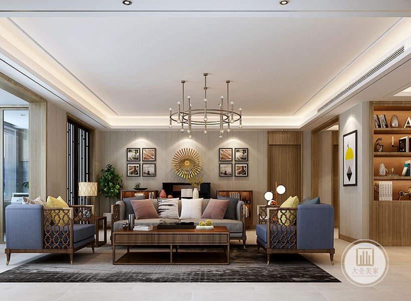 客厅沙发茶几都采用黄花梨材料,沙发不靠沙发墙,地面铺贴浅色木纹砖搭配深灰色地毯。