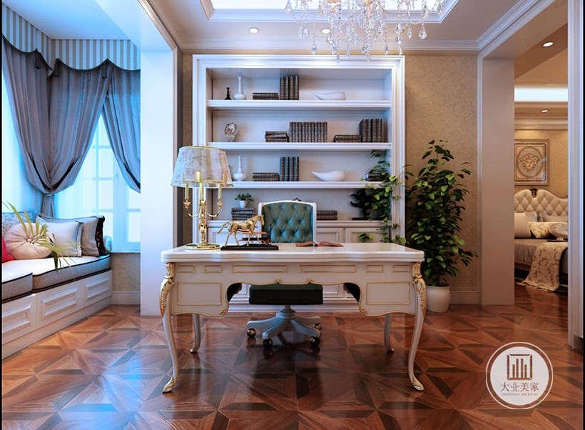 纱幔布艺台灯,和整体家居风格协调,储物柜四层开放设计,容纳性能好,下面是封闭橱柜,便于收纳珍贵文件。