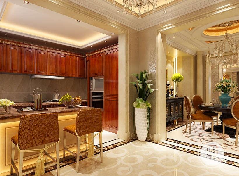 为体现华丽的风格,家具、门、窗多漆成黄色,家具、画框的线条部位饰以金线、金边,最大程度的展现了欧式的气派与堂皇。
