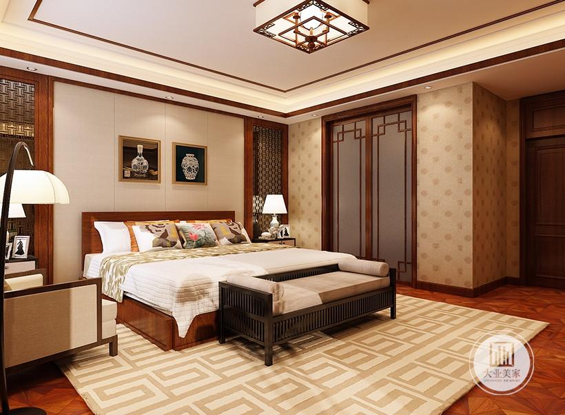 卧室装修效果图:卧室背景墙使用米色装饰,搭配现代中式画装饰。