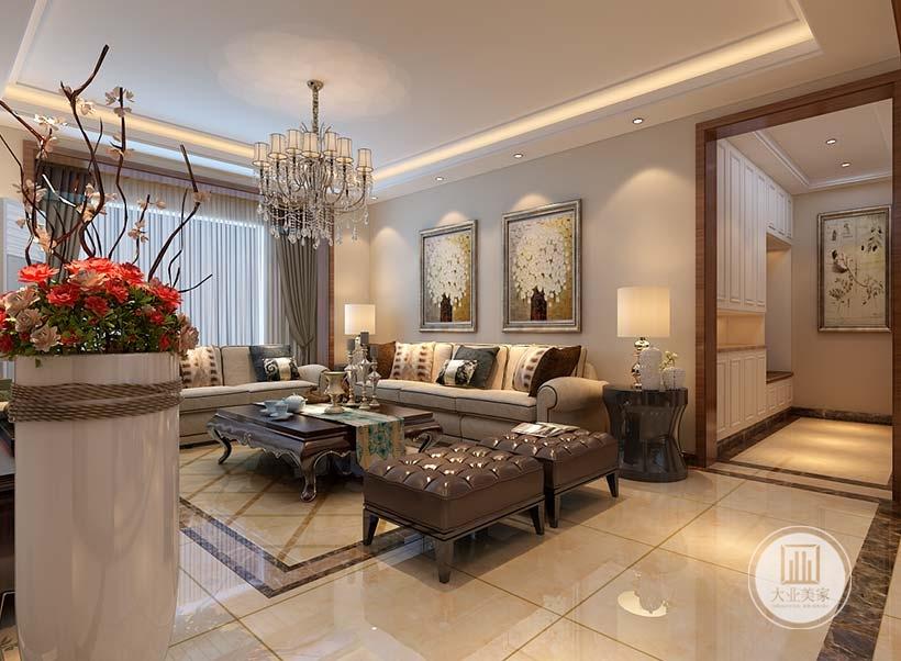 沙发背景墙不采用任何颜色装饰,墙面采用两幅现代装饰画装饰,浅色布艺沙发搭配红木茶几。