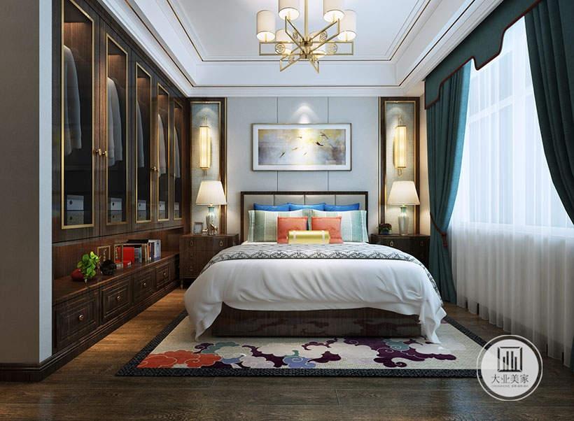 主卧室的床头背景墙采用白色壁布,墙面采用中式风景画装饰,一侧的橱柜做壁龛增加收纳空间,床的两侧采用红木床头柜。