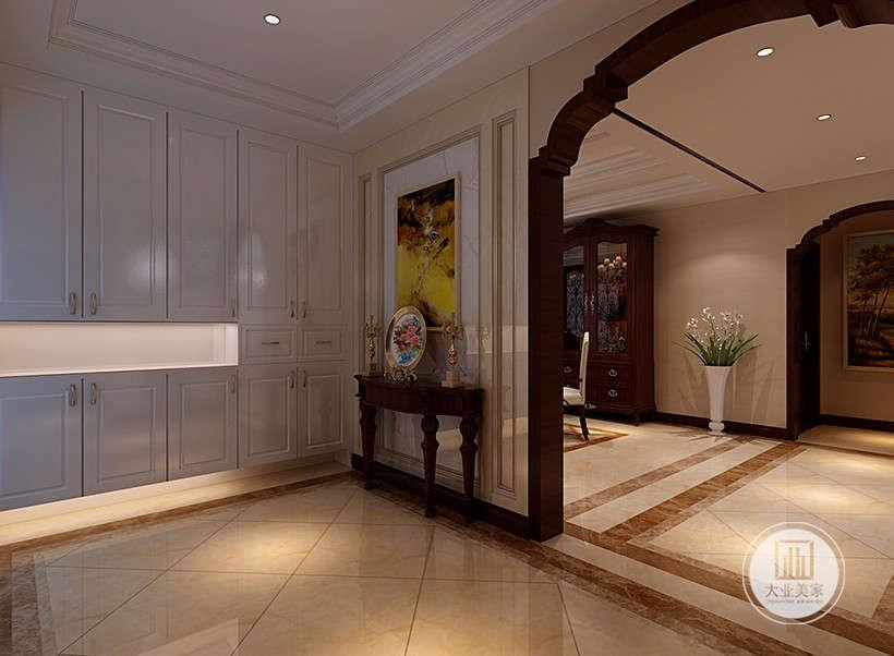 收纳柜,储存空间大,白色外观予人现代感而又高贵得体。