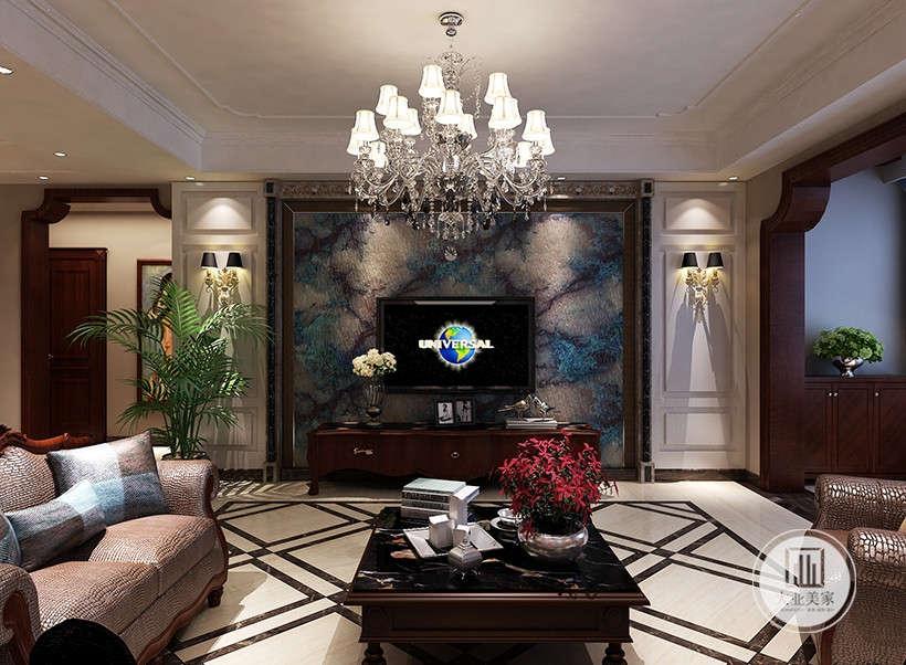 色彩低沉的沙发布艺,典雅舒适,大理石地板以简约的线条代替复杂的花纹,采用更为明快清新的颜色,体现精致的生活气息。