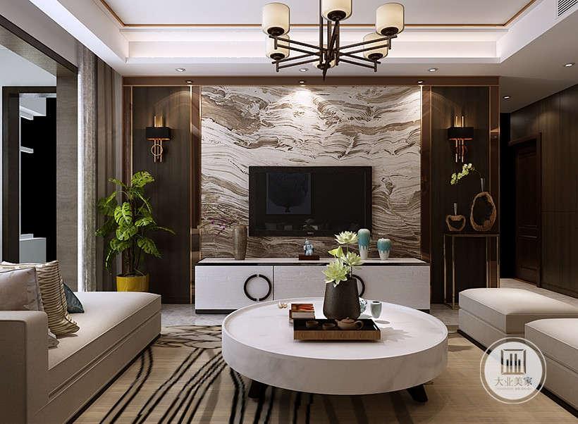 绿植是新中式风格中不可或缺的元素,莲花造型,寓意高洁。本案设计师以白色时尚现代家具,搭配古朴幽美大理石电视墙,今与古的碰撞糅合,时尚前卫装点古风元素,衔接自然,毫不突兀。