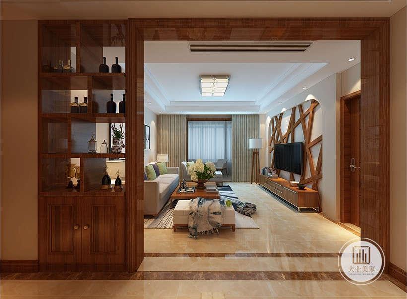 实木储物柜与电视墙木条装饰相互呼应,精美的线条造型,欧式细节上的对称,暗红色或白色的主调、带有西方复古图案、线条以及非常西化的造型。