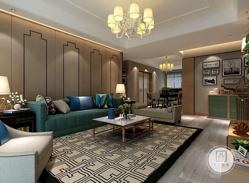 绿色沙发布艺,搭配花纹靠枕,柔软舒适,打造一个居住者喜欢的一个安静,祥和,看上去明朗宽敞舒适的家。
