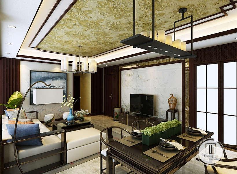 古典中式圈椅,经典复古餐桌,搭配绿植装饰,与客厅同款大理石地面,干净明朗,在浓浓故意中图谱露出丝丝现代质感。