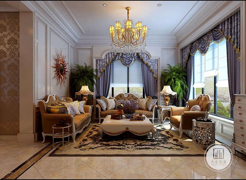 卷帘式窗帘,收起便于通风,特殊的透明材质,采光性能极佳。