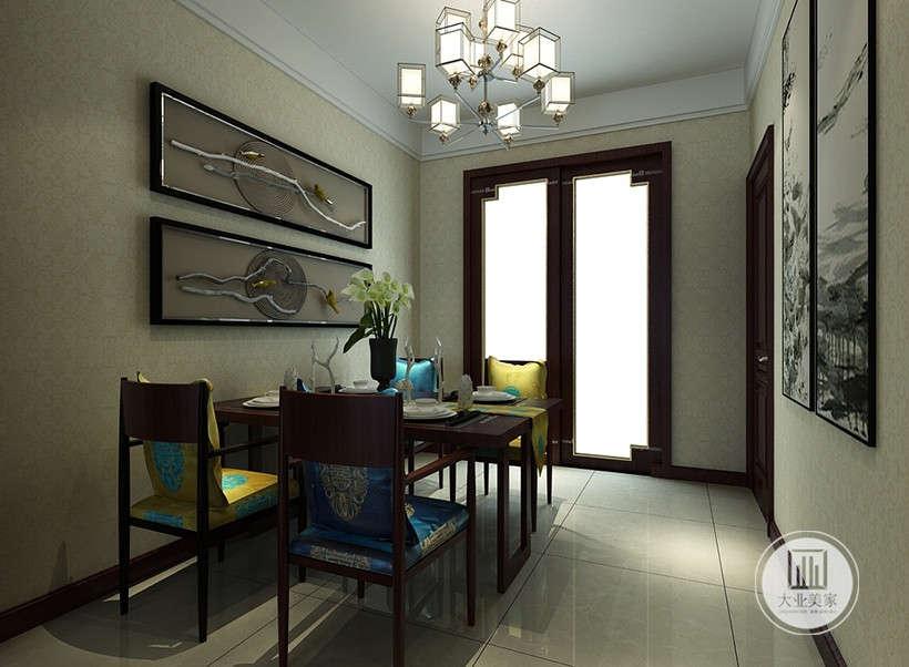 中式门窗造型,典雅大气,玻璃门造型采光良好。