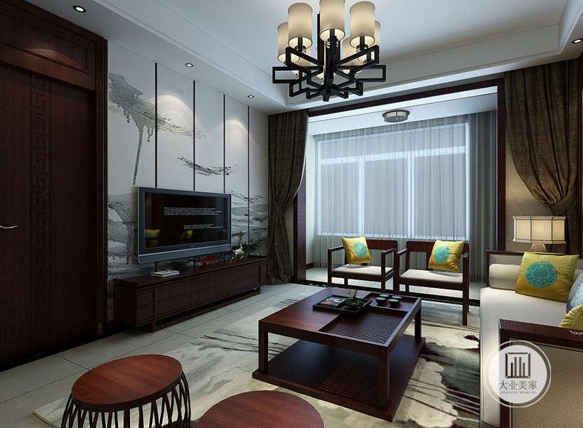 淡蓝色窗帘帷幔,清新典雅,在中式元素的客厅中丝毫不显突兀,反而打破了传统中式的沉闷肃静。
