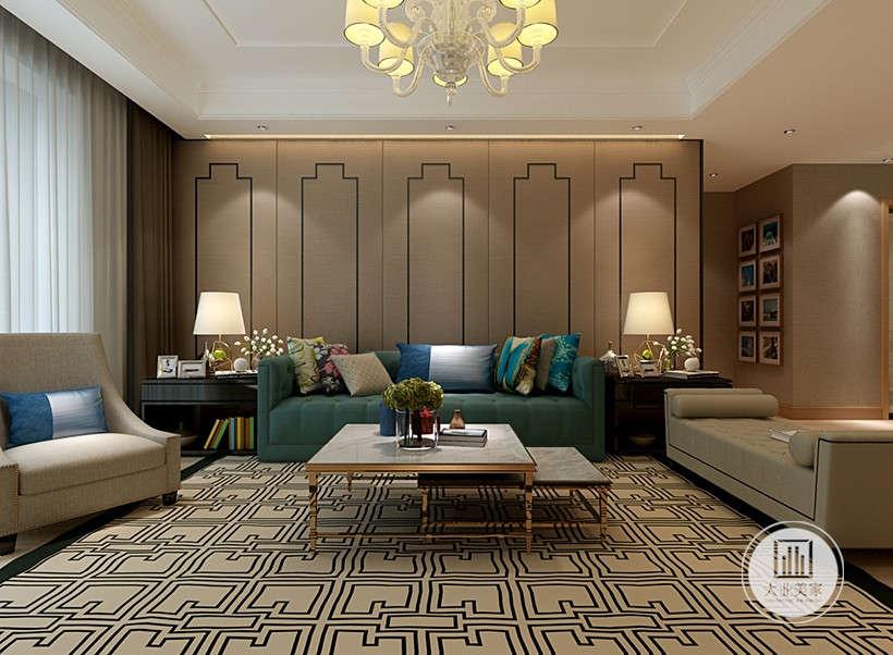 简单素色格子地毯,图案并不花哨,给室内增加一份温暖。绿色皮质沙发,搭配左侧棕色单人沙发,右侧是沙发床,适合居住者享受安静的下午时光。