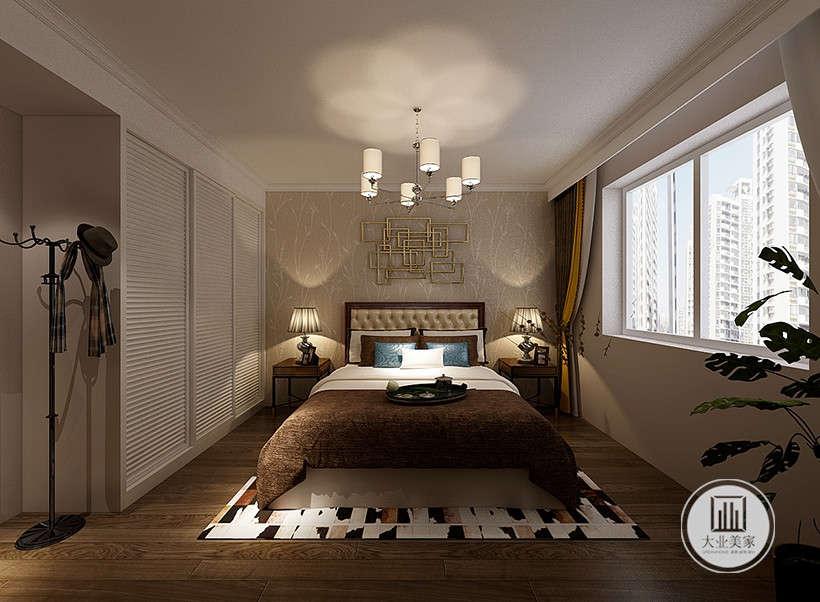 吊灯灵感来自于古代烛台,墙纸充满古典韵味,黑白布艺家居搭配,柔软舒适,经典高雅。