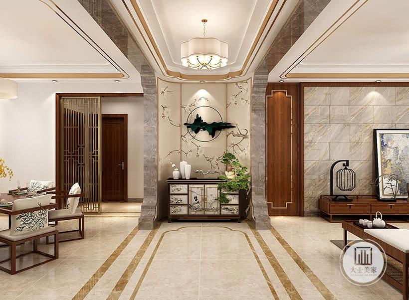 入户玄关采墙面用浅黄色壁纸,搭配中式黑檀木橱柜。