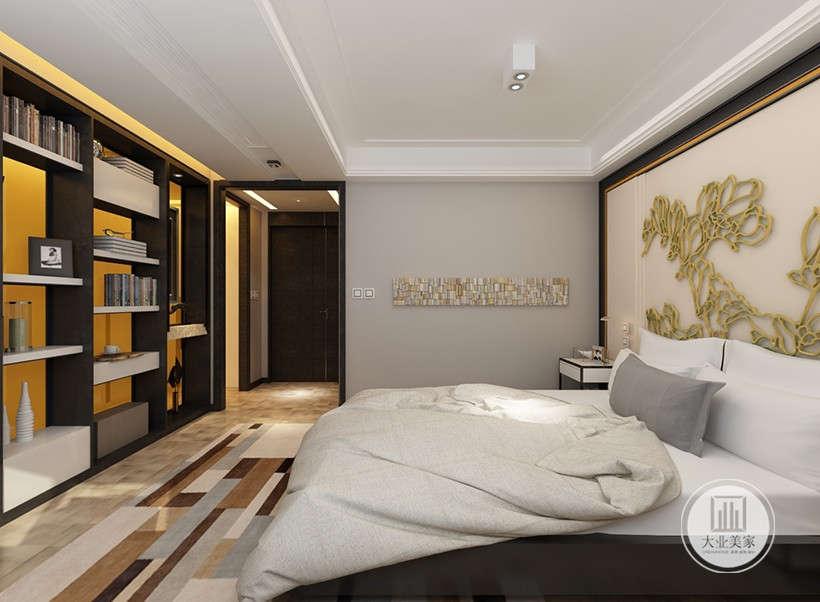 较低的床型与天花板保持了一定距离,大城市里追求空间感的心态十分吻合,空间组合舒适,而不失审美情趣,木质地板的运用也使这些设计具有浓浓的人情味。