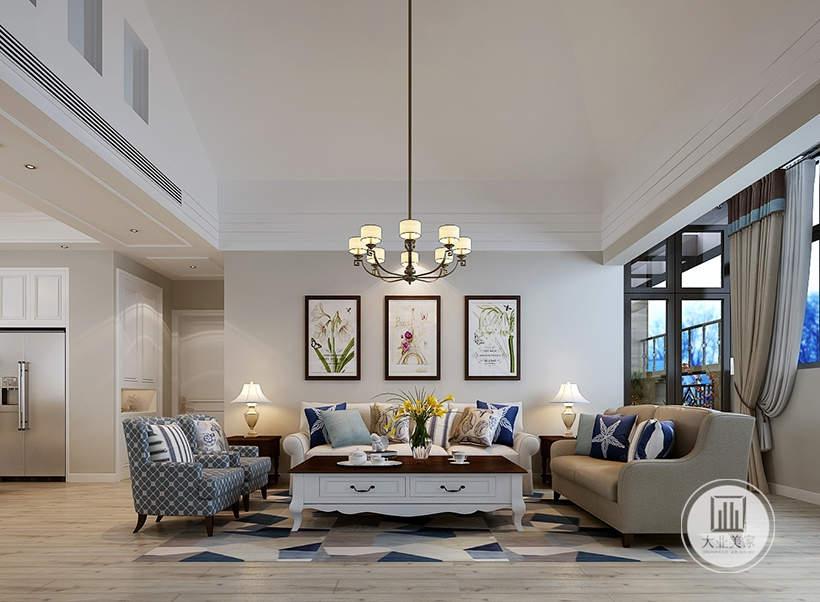 客厅沙发墙采用浅黄色壁纸,墙面采用三幅现代装饰画,沙发采用浅色布艺沙发,搭配实木材料的白色方形茶几。