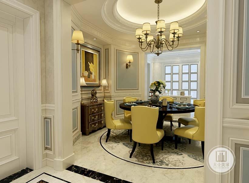 餐厅是圆形空间,餐桌采用黑檀木搭配黄色餐椅,吊顶采用圆形吊顶。