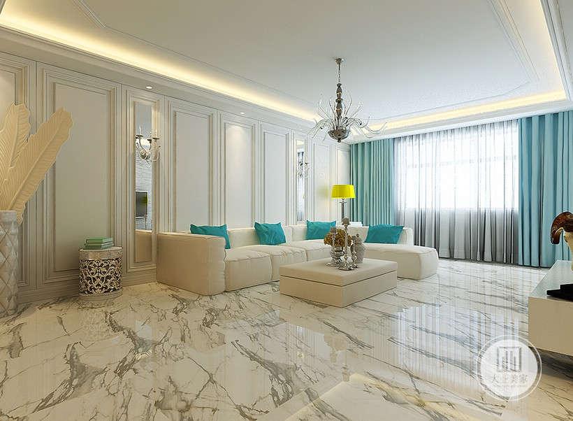 烛台设计装饰,时髦精致,光源衬托下更有气氛感,金属,玻璃,镜面元素的巧妙运用,拉伸空间纵深感,营造时尚高贵的室内环境。