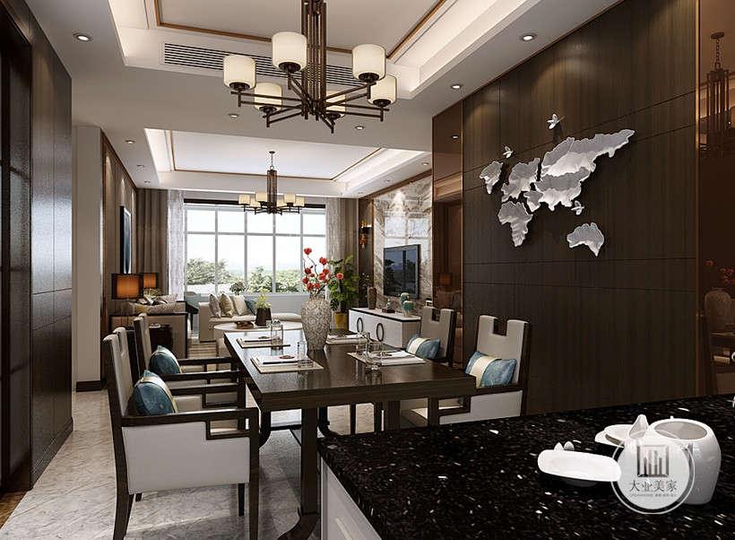 玄关隔断,讲究空间的层次感,虚拟的划分开客厅与餐厅,视觉上扩展空间范围。黑色典雅装饰墙,银白色不规则装饰,数量不多,却在调节室内氛围的功能上起到了画龙点睛的效果。