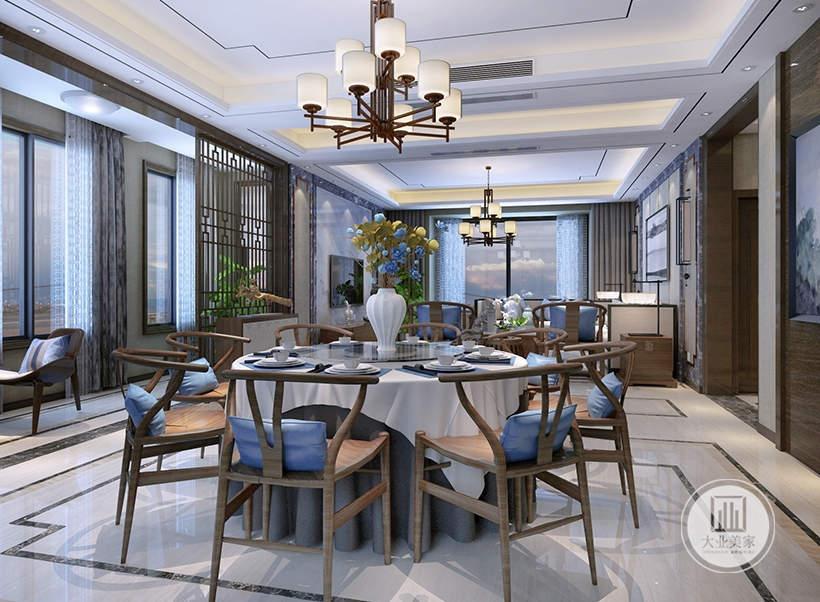 从这里可以看到餐厅和客厅的布局装饰。