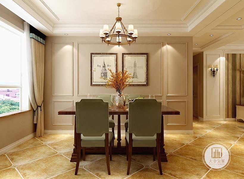 餐厅餐桌采用红木材料,一侧的墙面采用淡粉色漆搭配白色石膏线。