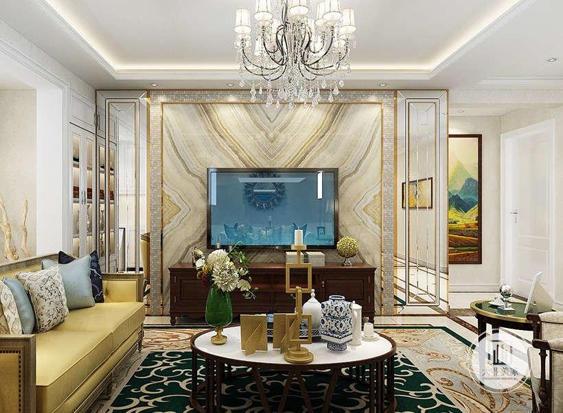 纹路对称大理石电视墙,高雅的黄褐色,与鎏金刻花的大理石地板,奠定了整个居室的基调,华而不奢,带有休闲性质,相对多元化,营造出与日常家居不同的感觉。