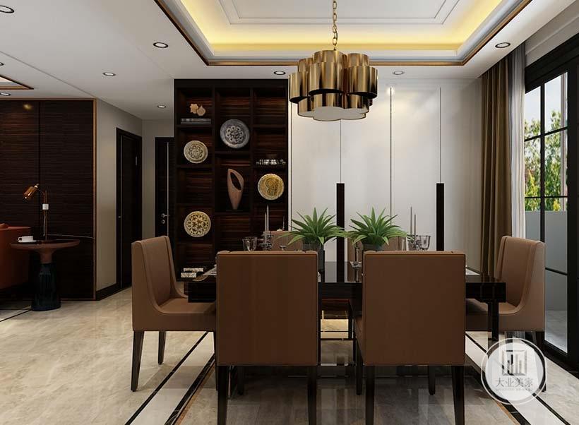 餐厅餐桌餐椅采用黑檀木装饰,一侧的墙面采用白色柜门,靠走廊的一侧采用红木装饰。