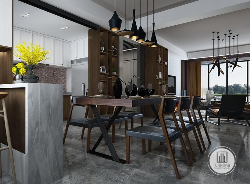 精致的瓷器、陶艺餐具,色彩造型丰富,黑色吊灯的功能是提供柔和、偏暖色的灯光,让整体素雅的居室不会有太多的冰冷感觉。