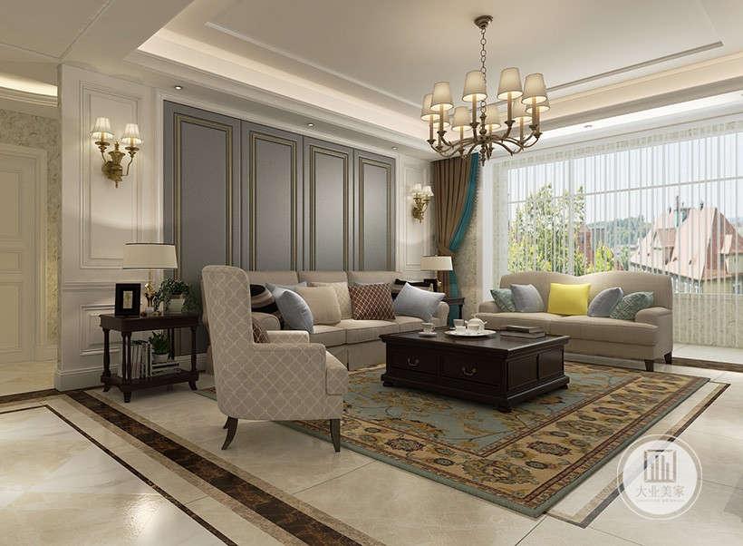 客厅沙发墙采用浅蓝色实木护墙板,沙发采用浅色布艺沙发,茶几采用深色黑檀木材料,地面铺设白色瓷砖搭配绿色地毯。