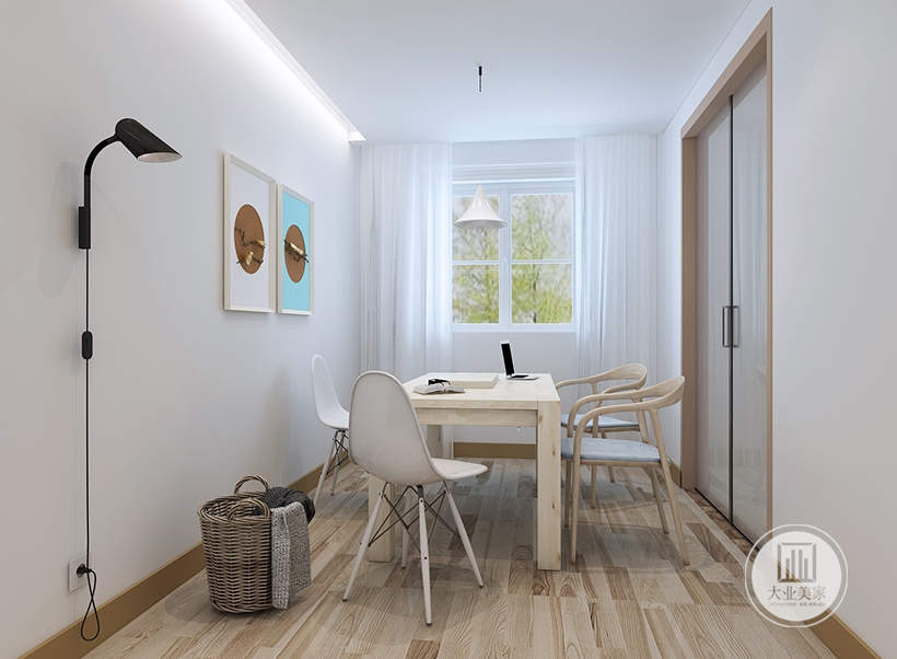 餐厅餐桌餐椅都采用原木材料,墙面采用两幅装饰画,墙面不做任何颜色的装饰。